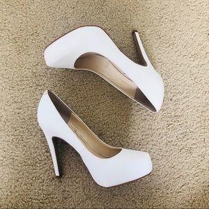 Jessica Simpson White Stilettos